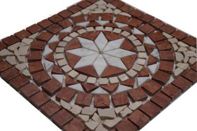 Natuursteen tegels in mozaiek medallion
